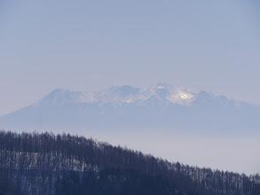 木曽御嶽山(右に噴気が見える)