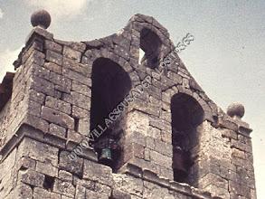 """Photo: El campanario o espadaña antes del comienzo de su """"conservación"""" en 1999."""