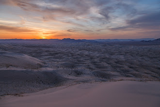 Photo: Kelso Dunes, Mojave National Preserve, California.