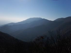 山頂の岩場から展望2(藤原岳)