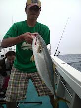 Photo: 最後にすべ入込み! 4.7kgだったかな? ヤズでした! 五島方面、ヒラスの状況が良くなってきています。 近海もよくならないかなー? ・・・・・・〇本さん 今度こそ! 釣るぞー! がんばるぞー!