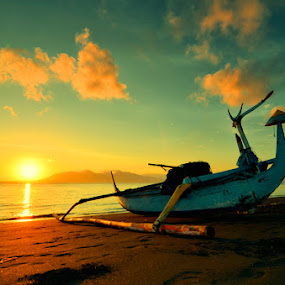 Waiting the sunrise by Dhiean Kukuh - Landscapes Waterscapes (  )