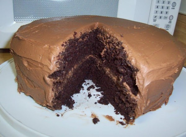 Dark Chocolate Cake With Fudge Frosting Recipe