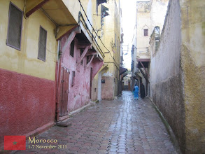 Photo: a narrow alley in the old medina of Meknes