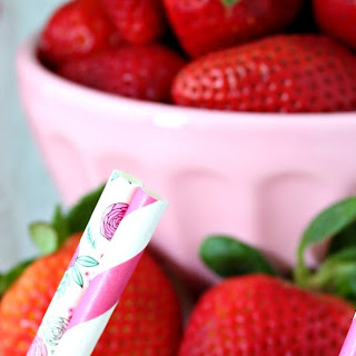 Easy Strawberry Frosé.