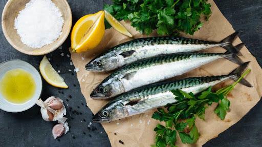 Những thực phẩm chứa hàm lượng canxi phong phú là thuỷ hải sản