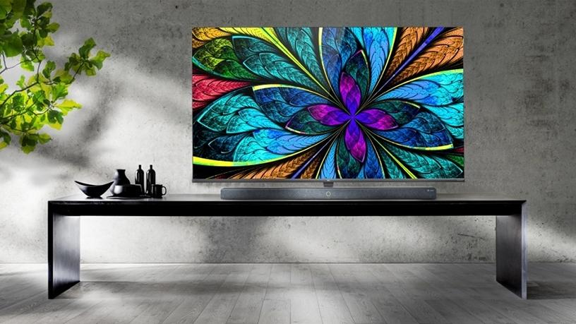TCL X10 QLED 8K TV (Photo: Business Wire).