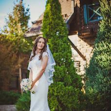 Wedding photographer Oksana Benyaminova (Anasko). Photo of 11.10.2014