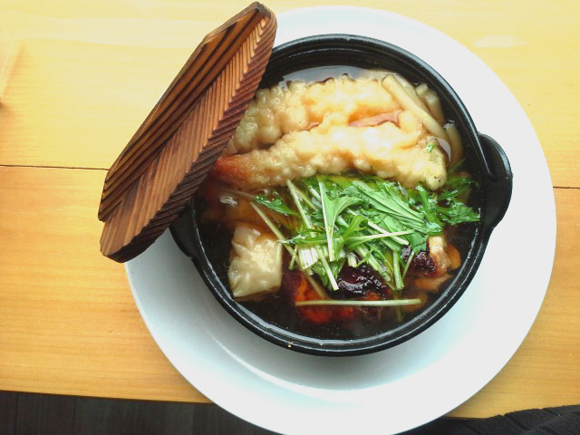 Photo: Nabeyaki Udon - Udon Noodle in Soy Broth with Shrimp Tempura, Enoki Mushroom and Fish Cake  http://lunchbox.hibino-lic.com