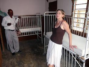 Photo: et les lits pédiatriques que nos donateurs auront le plaisir de revoir aussi