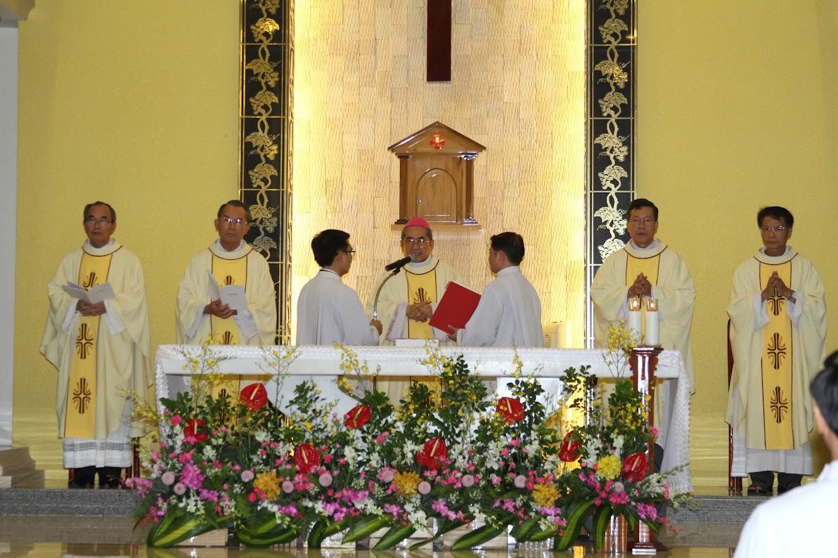 Lễ Phong Chức Phó Tế tại Toà Giám Mục Nha Trang - Ảnh minh hoạ 5
