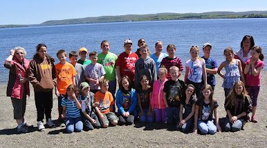 4th grade students and their teachers at Birch Point on Long Lake