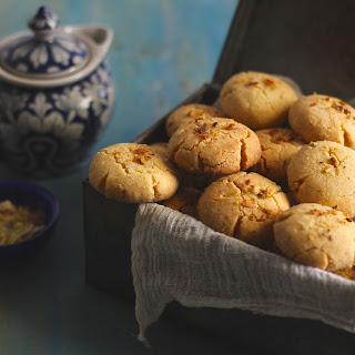 Nankhatai Recipe (Indian Eggless Shortbread Cookies)