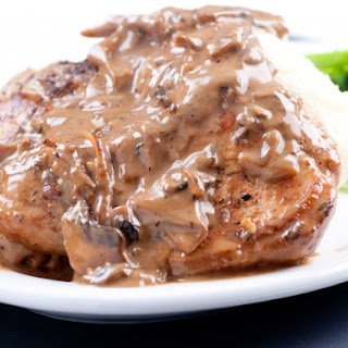 Easy Fried Pork Chops with Gravy
