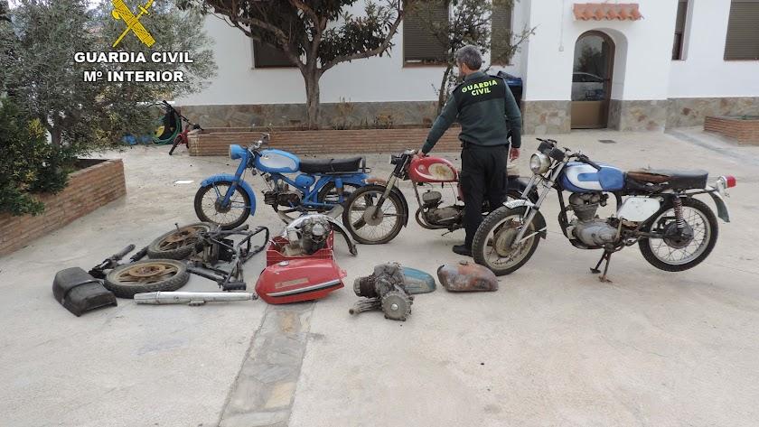 Dos detenidos por el robo de motos clásicas en Fiñana
