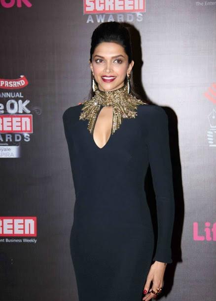 Deepika Padukone in award show