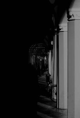 il buio è permesso della luce