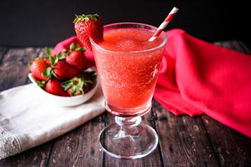 Strawberry Kiwi Schnapps Smoothie Recipe