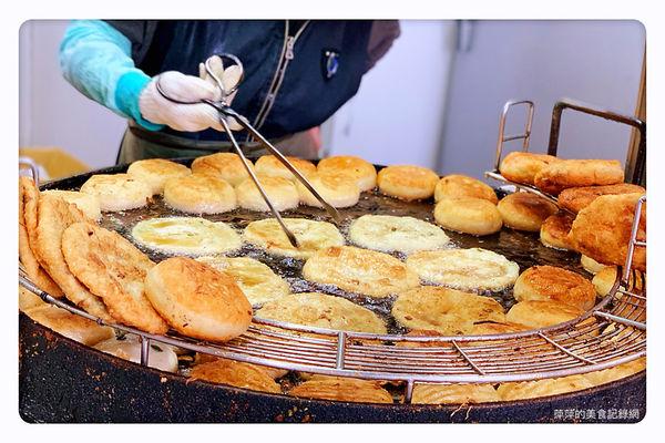 溫州街蘿蔔絲餅達人 ~ 餡滿滿的蘿蔔絲餅一個只要30元 排隊銅板美食 - 捷運古亭站