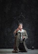 Photo: FIDELIO / Wiener Staatsoper (2016). Robert Dean Smith. Copyright: Wiener Staatsoper/ Michael Pöhn