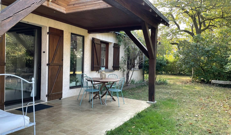 House with garden and terrace Saint-Avertin