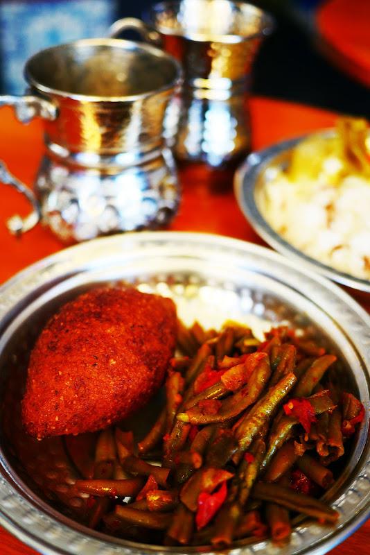 【絶品グルメ】在日クルド人によるクルド家庭料理レストラン・メソポタミア / インゲンと羊の煮込みランチ