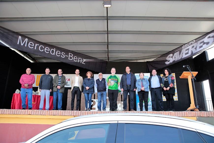Autoridades y patrocinadores antes de la entrega de premios.
