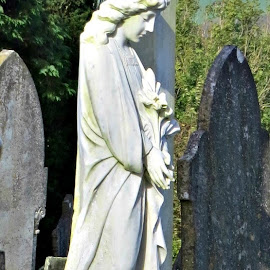 Headstone by Angie Keverne - City,  Street & Park  Cemeteries ( angel, st keverne, cemetary, headstone, cornwall,  )