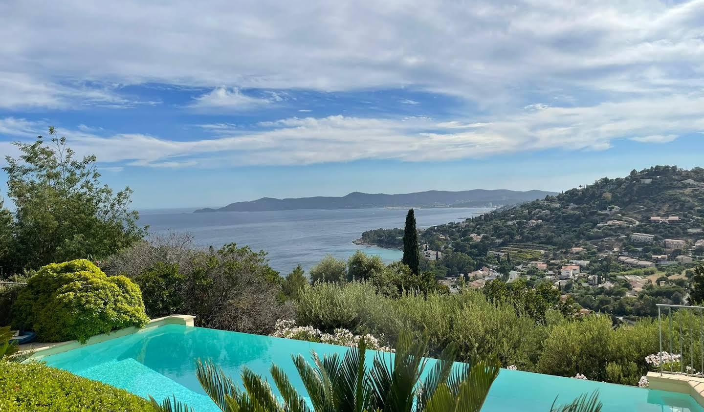 Villa avec piscine et jardin Le Lavandou