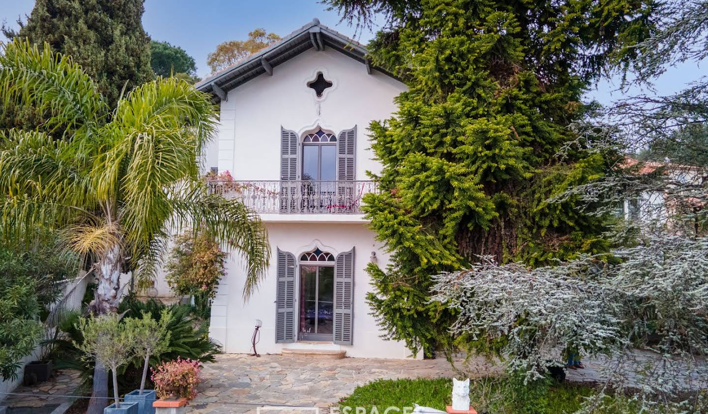 Maison avec piscine et terrasse La garde