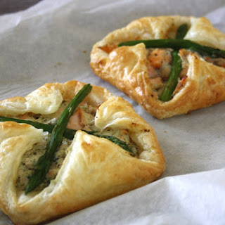 Salmon and Asparagus Puff Pastry Parcels Recipe