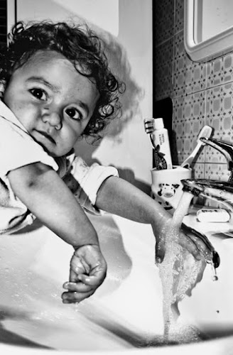 Lavarsi le manine di Luca Gallozza