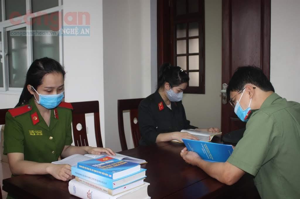 Đoàn viên, thanh niên Công an tỉnh Nghệ An say mê đọc sách