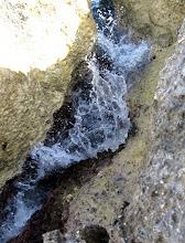 Photo: Wasser in Bewegung: zwischen den Felsen (Felix)