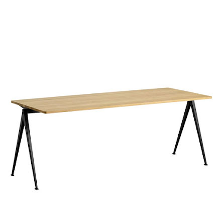 Pyramid Table 01, 200 cm