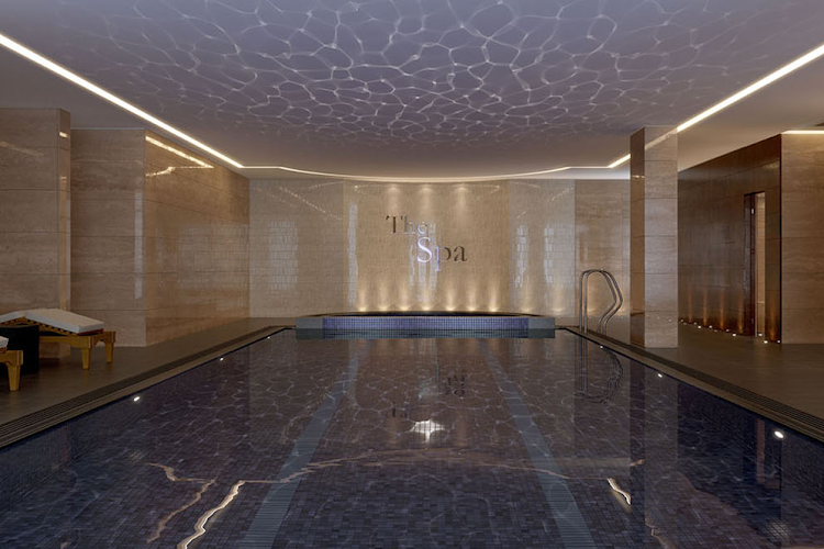 5-swimming-pool-and-spa