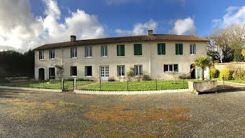 Maison 16 pièces 231 m2
