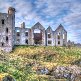 Slains Castle by Martin Hughes - Buildings & Architecture Decaying & Abandoned ( castle, slains castle, ruins, hdr, abandoned, ruin, scotland )