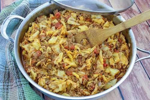 "Unstuffed Cabbage Rolls""Lean ground beef creates a fuller, meatier sauce for these..."