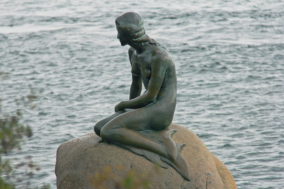 photo : mermaid statue