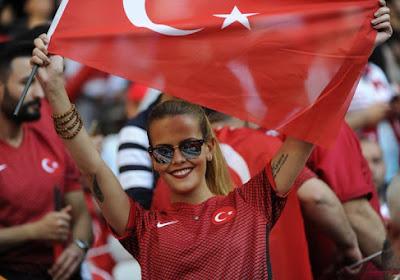 Turkse internationals onderzocht voor uitbrengen van 'militaire groet' als steun voor actie tegen Syrië