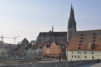 Photo: Pohled ze Steinerne Brücke (Kamenný most) na Chrám sv. Petra.