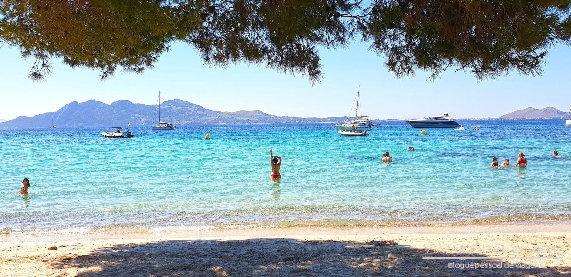 Fazer praia na Playa Formentor