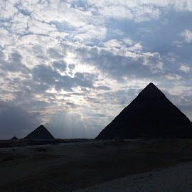 The Great Pyramids by Ismaeil Abdelrahman - Buildings & Architecture Statues & Monuments ( egypt'pyramids'beautiful'history'ancient' )