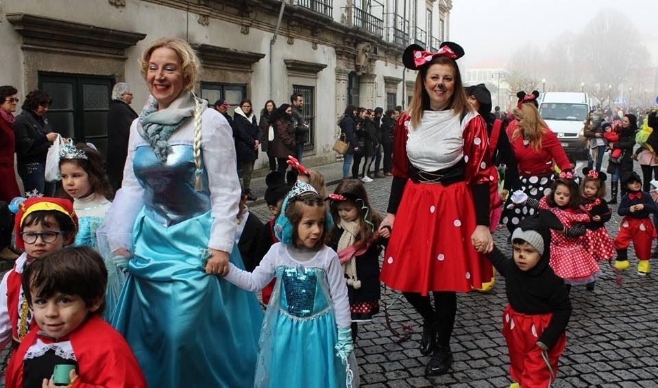 Misericórdia de Lamego deu muita cor ao desfile de carnaval escolar