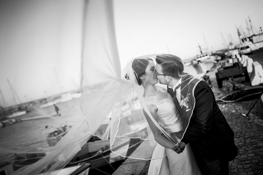 Wedding photographer Leonardo Scarriglia (leonardoscarrig). Photo of 14.12.2017