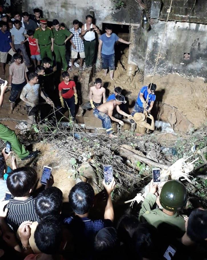 Vụ tai nạn sập giếng tại Thanh Chương, lực lượng CNCH            mất gần 8 giờ để tìm kiếm thi thể nạn nhân