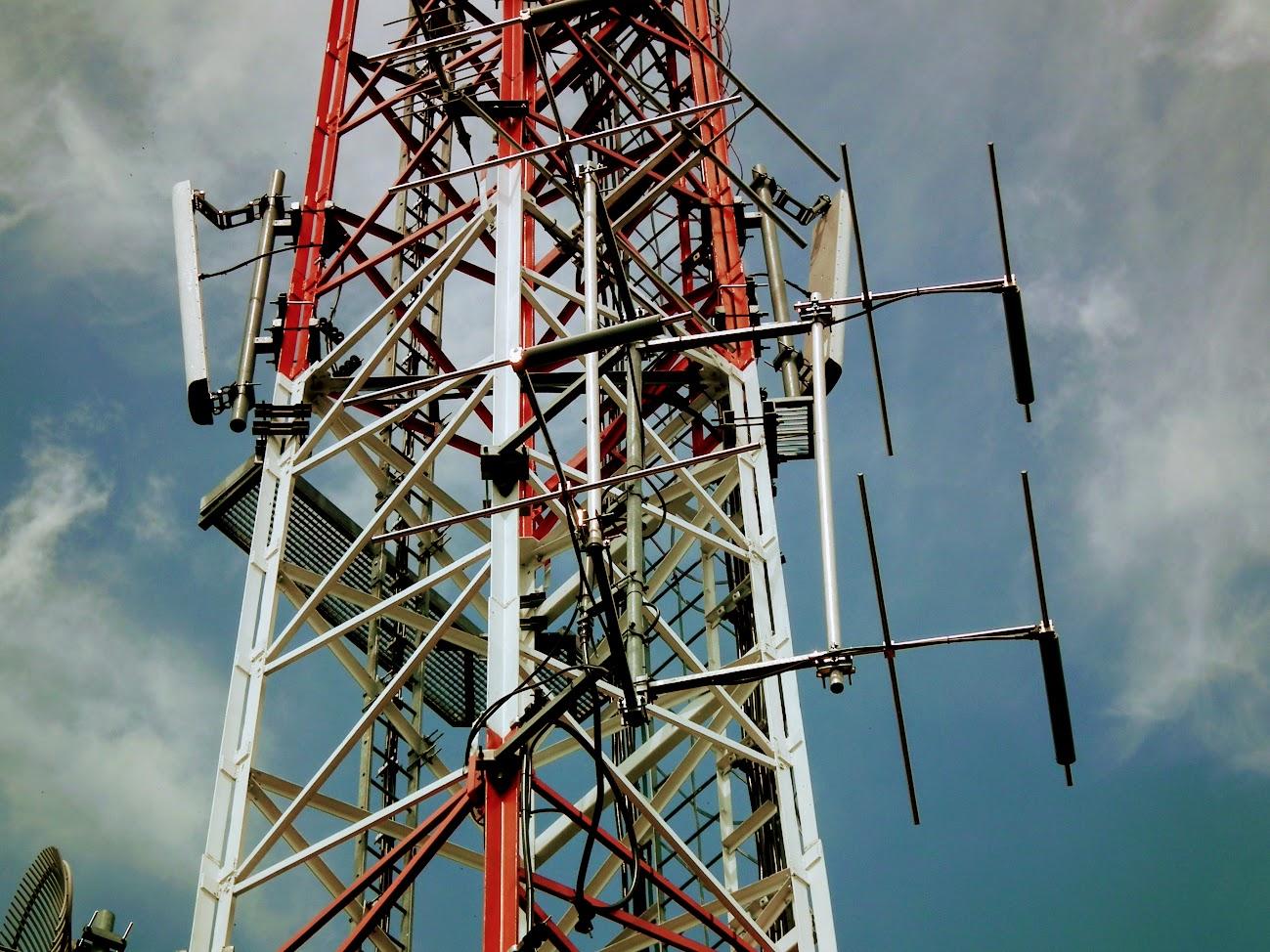 Telkibánya/Pányok, Nagy-hegy - DVB-T gapfiller+helyi URH-FM adóállomás