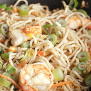Singapore Noodles - Singapore Chow Mein - Stir fried Asian Noodles