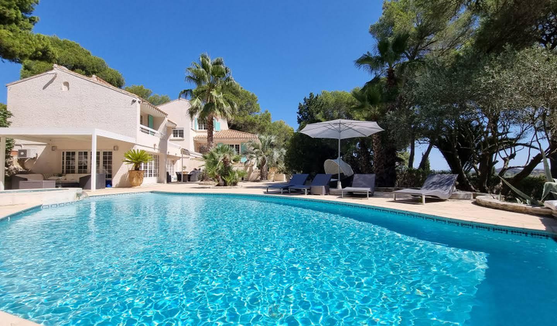 Villa avec piscine et jardin Beziers